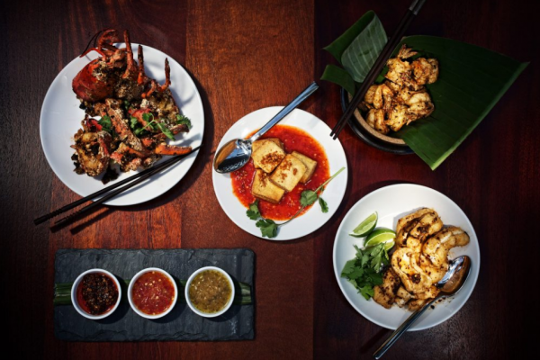 """Order Thai food delivery"", 3 famous restaurants"